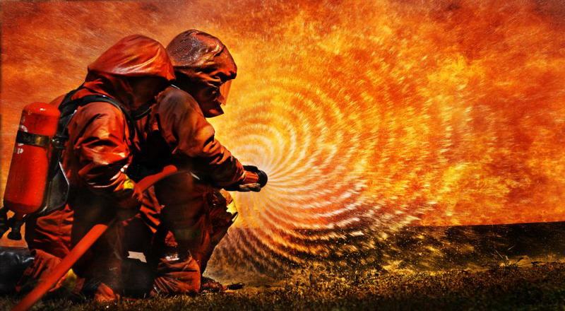 https: img-o.okeinfo.net content 2019 12 03 338 2137449 rumah-di-kalideres-terbakar-4-unit-mobil-pemadam-dikerahkan-6lp32IcIhR.jpg
