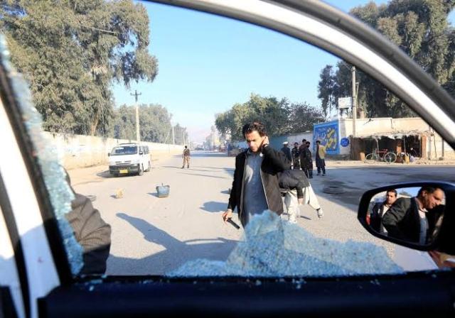 https: img-o.okeinfo.net content 2019 12 04 18 2138037 kelompok-bersenjata-bunuh-6-orang-di-afghanistan-termasuk-dokter-asal-jepang-AxEBeNvlbD.jpg