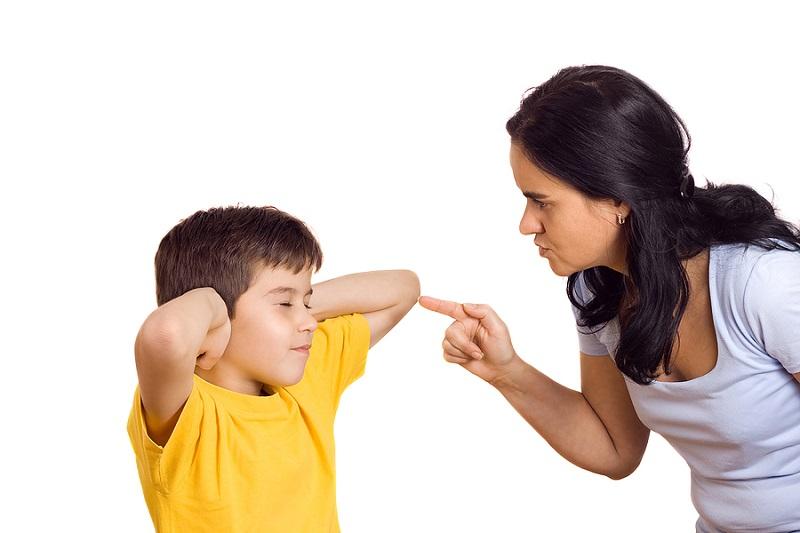 https: img-o.okeinfo.net content 2019 12 04 196 2137893 7-kesalahan-orangtua-baru-saat-mendisiplinkan-anak-uIZRn72iwK.jpeg