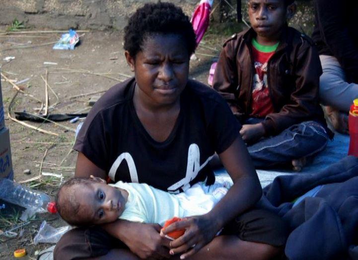 https: img-o.okeinfo.net content 2019 12 06 340 2138628 pengungsi-nduga-diimbau-kembali-ke-rumah-jelang-natal-ryeef2wajW.JPG