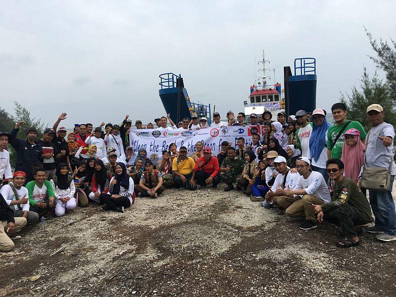 https: img-o.okeinfo.net content 2019 12 07 340 2139242 mnc-peduli-wujudkan-pulau-sangiang-bebas-sampah-plastik-4EtmoZHWBz.jpg