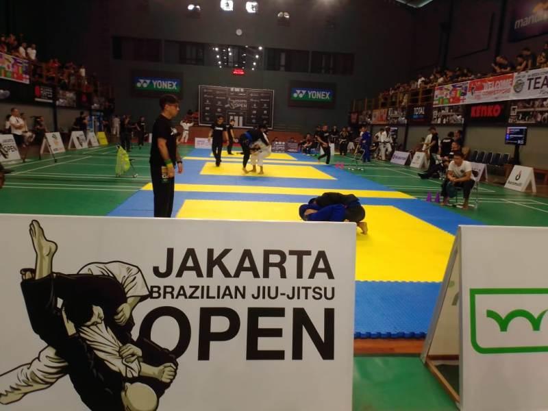 https: img-o.okeinfo.net content 2019 12 07 43 2139094 peserta-mancanegara-ramaikan-kompetisi-brazilian-jiu-jitsu-open-2019-f8th7XivD3.jpeg