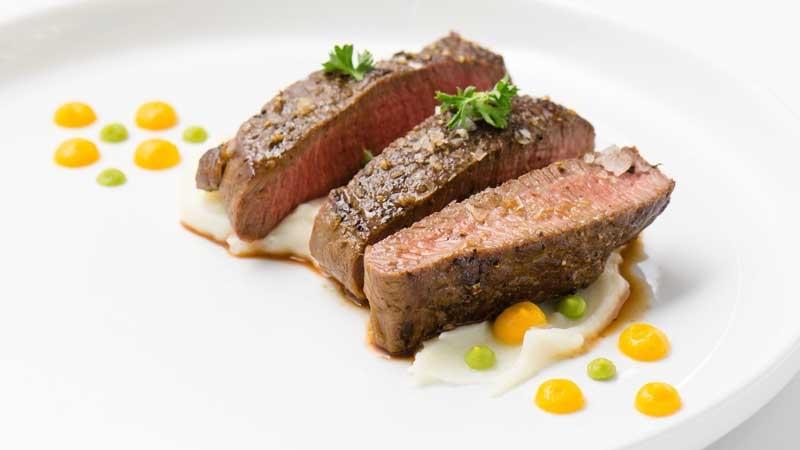 https: img-o.okeinfo.net content 2019 12 09 298 2139630 tips-food-plating-agar-sejago-chef-restoran-sudah-lezat-enak-dipandang-QbWFhJ7kDt.jpg