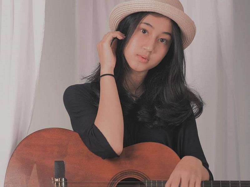 https: img-o.okeinfo.net content 2019 12 11 194 2140518 5-gaya-keisya-levronka-yang-terjegal-di-indonesian-idol-2019-polos-menggemaskan-qqJcoZk5XB.jpg
