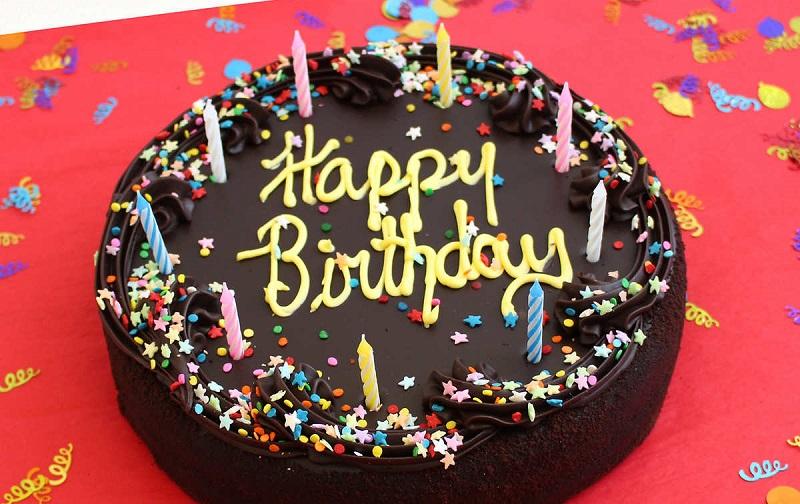 https: img-o.okeinfo.net content 2019 12 11 612 2140845 viral-toko-kue-larang-tulisan-happy-birthday-pegawai-itu-ciri-khas-wEpC8lCfHP.jpg