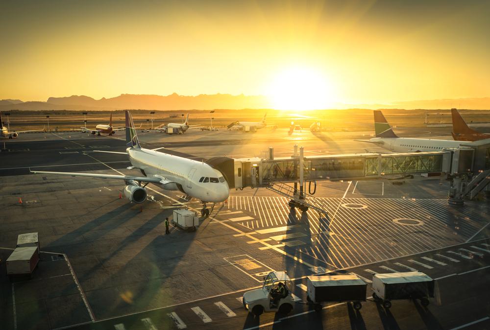 https: img-o.okeinfo.net content 2019 12 12 320 2141213 tiket-pesawat-di-natal-dan-tahun-baru-diskon-40-ini-daftar-rutenya-VdrBQK6a0s.jpg