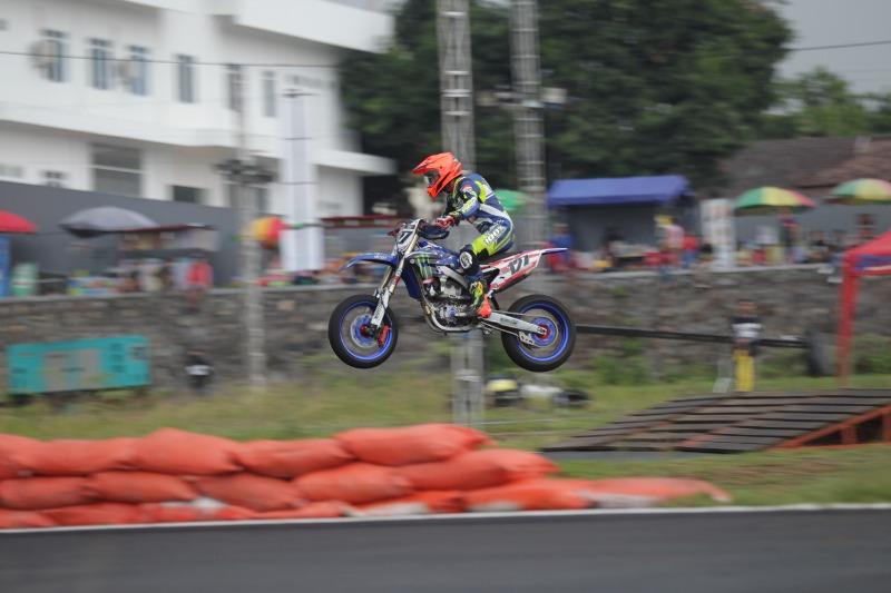https: img-o.okeinfo.net content 2019 12 14 43 2141921 pembalap-indonesia-saingi-rider-asing-di-trial-game-asphalt-internasional-championship-boyolali-dO4yU3pCVb.jpg