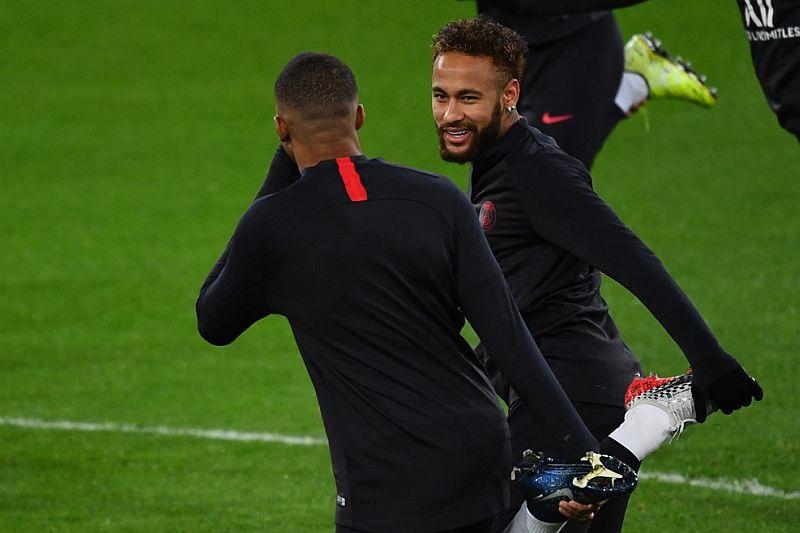 https: img-o.okeinfo.net content 2019 12 17 261 2142753 neymar-tak-ingin-psg-kembali-gugur-di-16-besar-liga-champions-92bugLEcAe.jpg