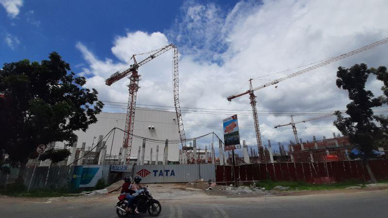 https: img-o.okeinfo.net content 2019 12 23 340 2145202 buruh-proyek-di-kubu-raya-tewas-tertimpa-crane-patah-vsBGj7i42G.jpg