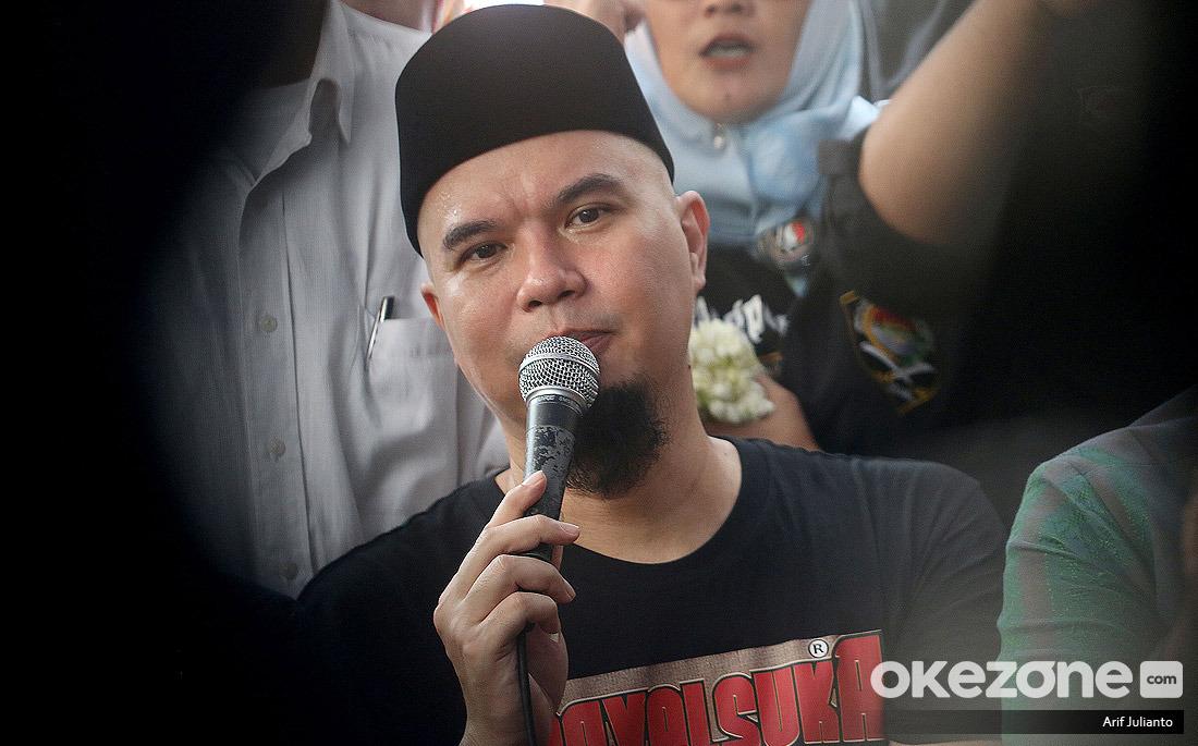 https: img-o.okeinfo.net content 2019 12 30 33 2147398 ahmad-dhani-terima-kasih-sudah-membuat-saya-terpenjara-CBhaIoJRz6.jpg