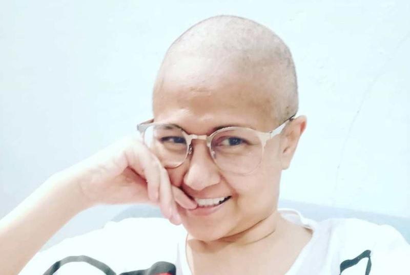 https: img-o.okeinfo.net content 2020 01 06 481 2149685 potret-kenangan-ria-irawan-di-awal-perjuangan-melawan-kanker-kelenjar-getah-bening-ExvNTXxBju.jpg