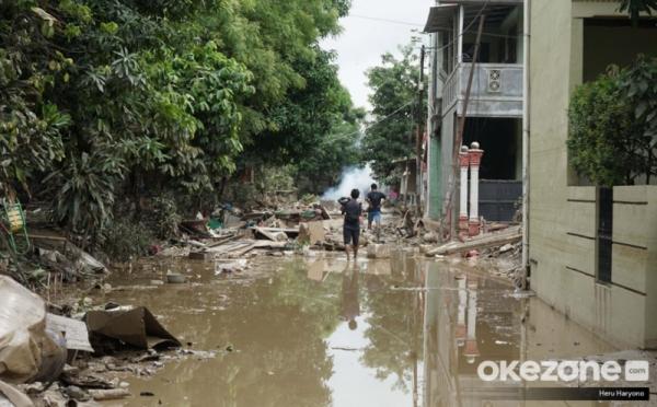 https: img-o.okeinfo.net content 2020 01 08 470 2150661 restorasi-dokumen-korban-banjir-dari-sertifikat-rumah-sampai-akta-cerai-F7fAh6ehnQ.jpg