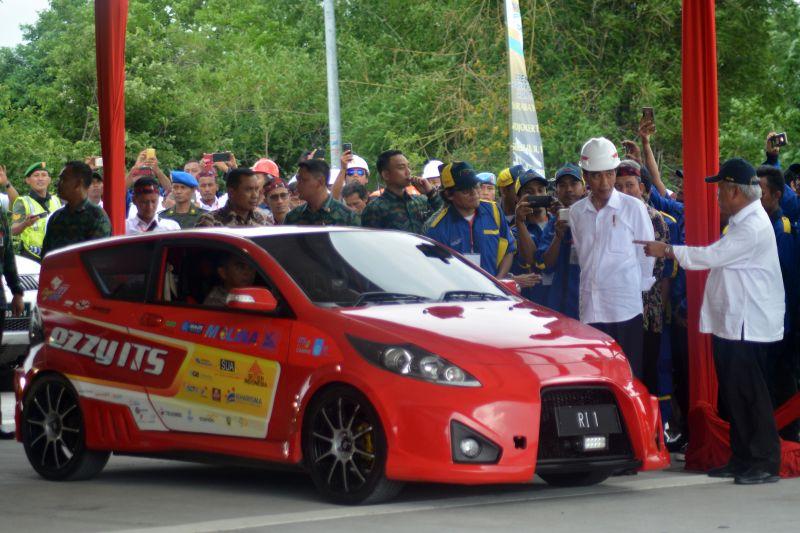 https: img-o.okeinfo.net content 2020 01 10 65 2151506 indonesia-potensial-kembangkan-kendaraan-listrik-modalnya-bahan-baku-primer-mveSeDJ3bG.jpg