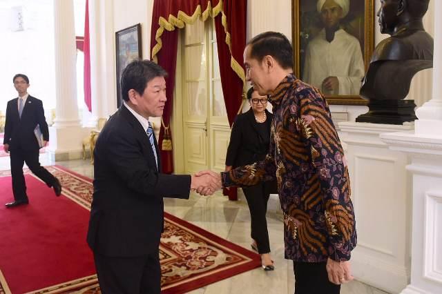 https: img-o.okeinfo.net content 2020 01 12 337 2151968 presiden-jokowi-undang-kaisar-jepang-ke-indonesia-ZDoAWiFoS3.jpg