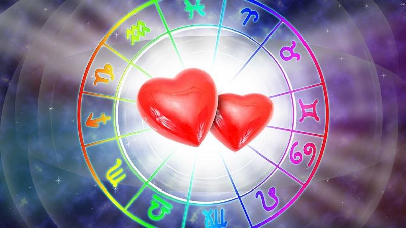 https: img-o.okeinfo.net content 2020 01 13 31 2152409 ramalan-zodiak-cinta-pekan-ini-waktunya-aquarius-untuk-membuka-hati-Mf7t031O1m.jpg