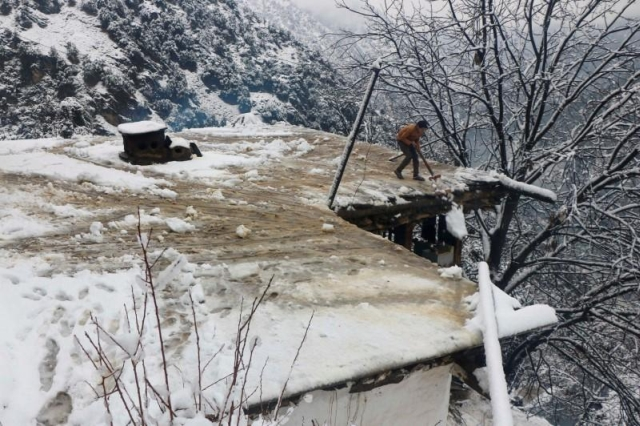 https: img-o.okeinfo.net content 2020 01 14 18 2152818 67-orang-tewas-akibat-tertimbun-longsor-salju-di-pakistan-vj1iSgLvII.jpg