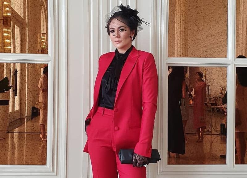 https: img-o.okeinfo.net content 2020 01 14 194 2152737 5-gaya-wulan-guritno-pakai-blazer-inspirasi-tampil-elegan-Ny9rgbCgIg.jpg