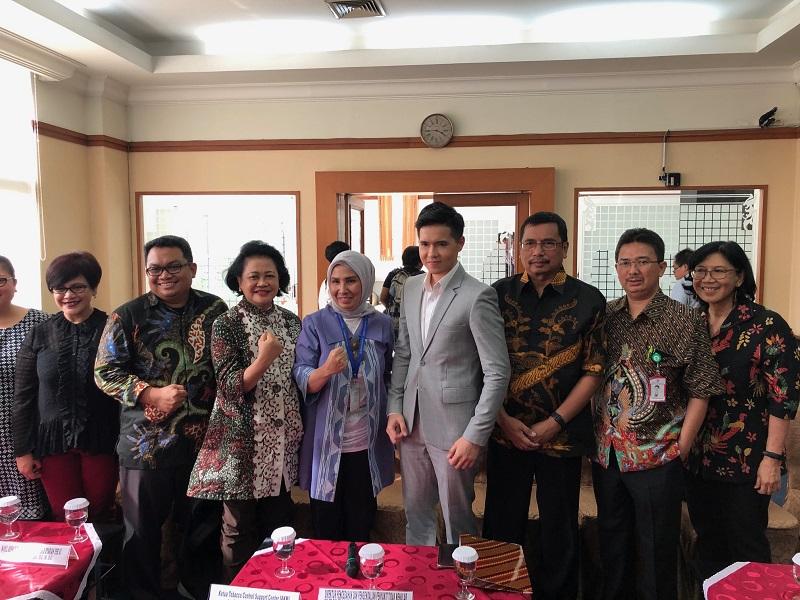 https: img-o.okeinfo.net content 2020 01 15 481 2153407 dokter-indonesia-tegas-tolak-peredaran-rokok-elektrik-SYF0NeoUhR.jpeg