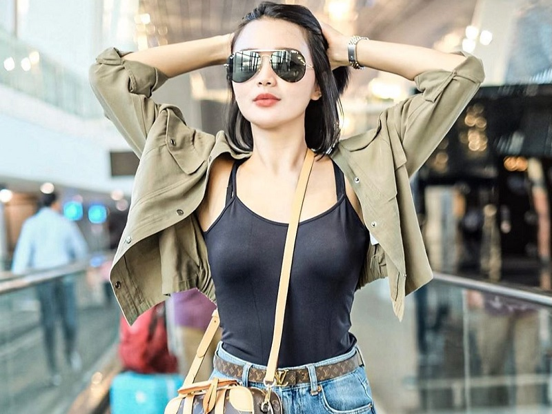 https: img-o.okeinfo.net content 2020 01 16 194 2153717 potret-airport-style-wika-salim-pedangdut-cantik-penuh-pesona-YcAmhxpCsH.jpg