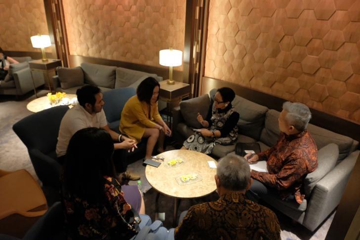 https: img-o.okeinfo.net content 2020 01 16 320 2153829 menlu-retno-rayu-pengusaha-vietnam-investasi-di-indonesia-CdYo6IPtrz.jpg