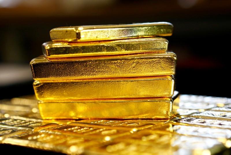 https: img-o.okeinfo.net content 2020 01 20 320 2155278 turun-harga-emas-antam-dibanderol-rp769-000-gram-phlovgbLQH.jpg