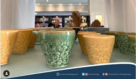 https: img-o.okeinfo.net content 2020 01 20 320 2155504 perhatikan-syarat-ini-sebelum-ekspor-keramik-dan-porselen-RIMX3B33Dc.png
