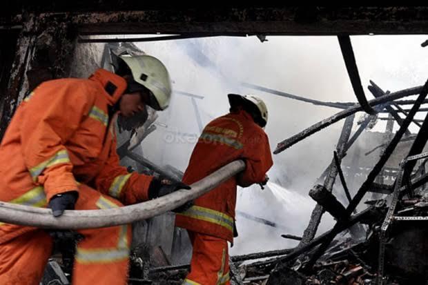 https: img-o.okeinfo.net content 2020 01 21 244 2156049 kebakaran-restoran-dan-toko-antik-di-bali-diduga-akibat-korsleting-listrik-w4jJFXSWZI.jpg