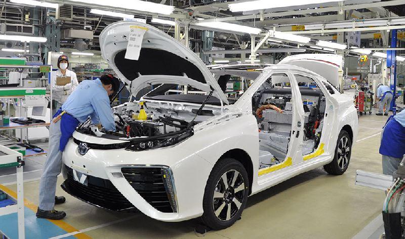 https: img-o.okeinfo.net content 2020 01 21 52 2156286 toyota-dapat-lampu-hijau-rakit-kendaraan-elektrifikasi-di-thailand-whX6jqUnme.jpg