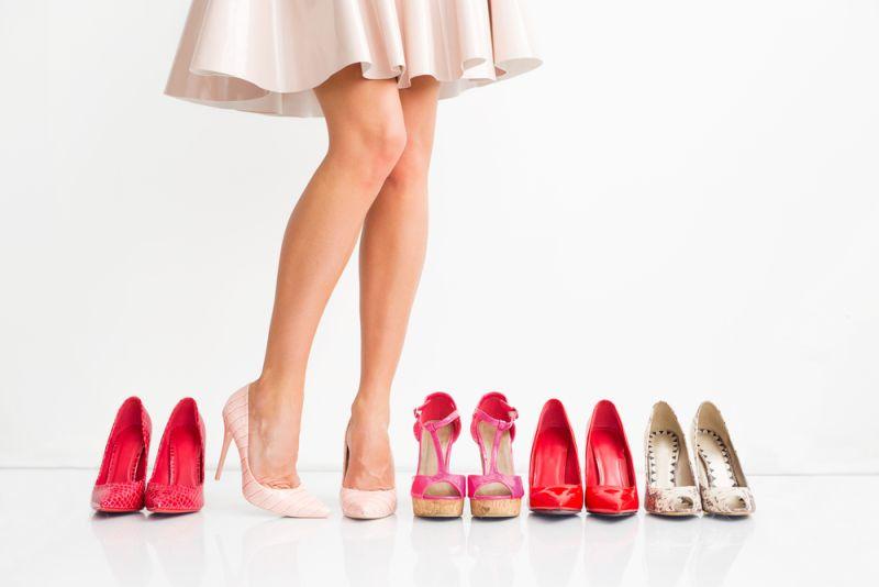 https: img-o.okeinfo.net content 2020 01 23 194 2157062 evolusi-sepatu-hak-tinggi-tren-era-90-an-hingga-2019-tX7MixUGKX.jpg