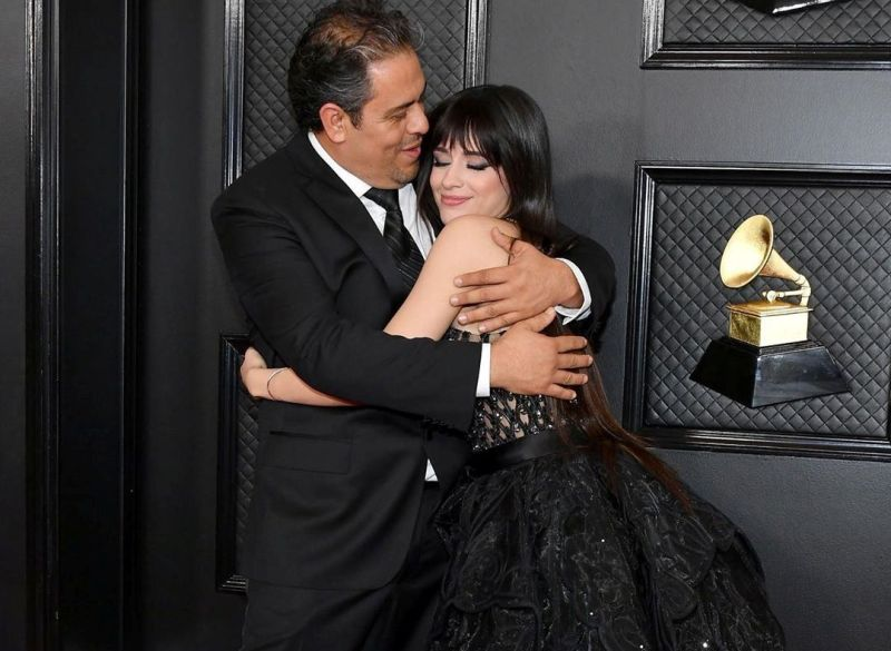 https: img-o.okeinfo.net content 2020 01 27 205 2159074 bukan-shawn-mendes-camila-cabello-didampingi-ayah-di-grammy-awards-wsw8q9WkKm.jpg