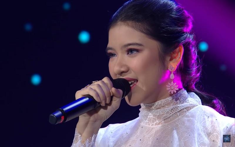 https: img-o.okeinfo.net content 2020 01 28 598 2159551 dapat-5-standing-ovation-di-indonesian-idol-anang-sebut-tiara-superstar-DQ2403LS3O.jpg