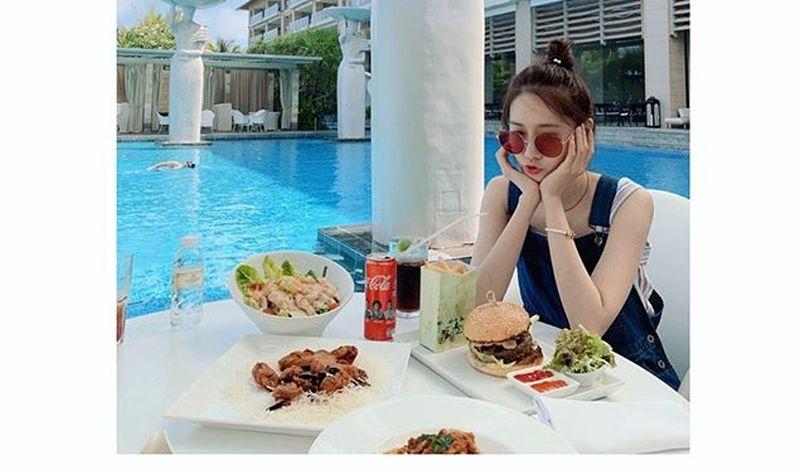 https: img-o.okeinfo.net content 2020 02 05 194 2163996 jadi-perempuan-tercantik-di-dunia-intip-5-inspirasi-outfit-kerja-yoona-snsd-GigcyiNiQZ.jpg