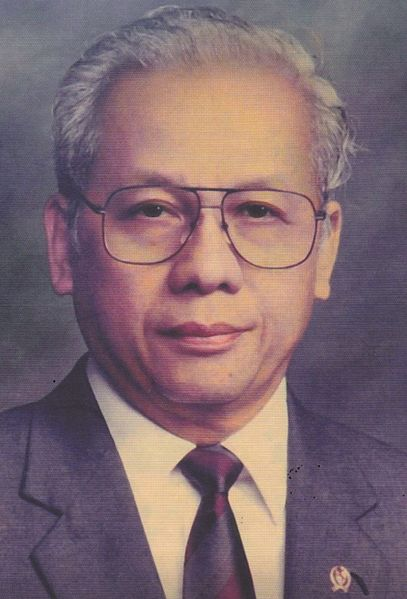 https: img-o.okeinfo.net content 2020 02 06 20 2164464 sosok-jb-sumarlin-menteri-keuangan-andalan-soeharto-0UwOWIDDtI.jpg