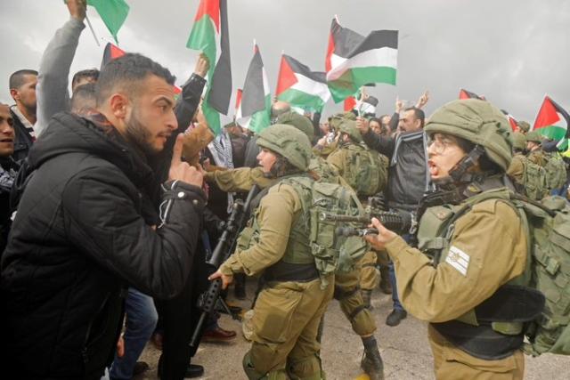 https: img-o.okeinfo.net content 2020 02 07 18 2164838 2-warga-palestina-tewas-dan-13-tentara-israel-terluka-akibat-bentrok-YO2sFrW0z8.jpg