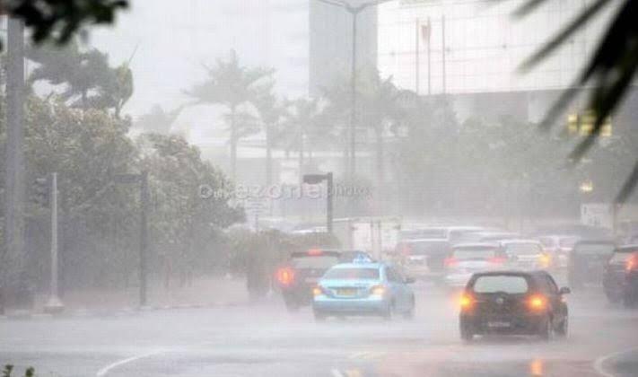 https: img-o.okeinfo.net content 2020 02 10 337 2165888 curah-hujan-tinggi-diperkirakan-mengguyur-sejumlah-wilayah-hingga-11-februari-Pw5WLwbAFm.jpg