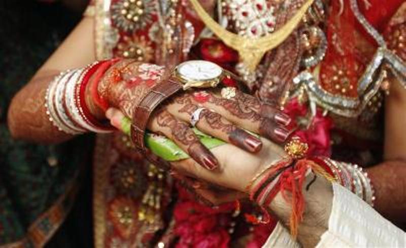 https: img-o.okeinfo.net content 2020 02 13 18 2168065 pria-pakistan-babak-belur-dihajar-istri-pertama-di-pesta-pernikahan-ketiganya-a9K6OqcRlG.jpg