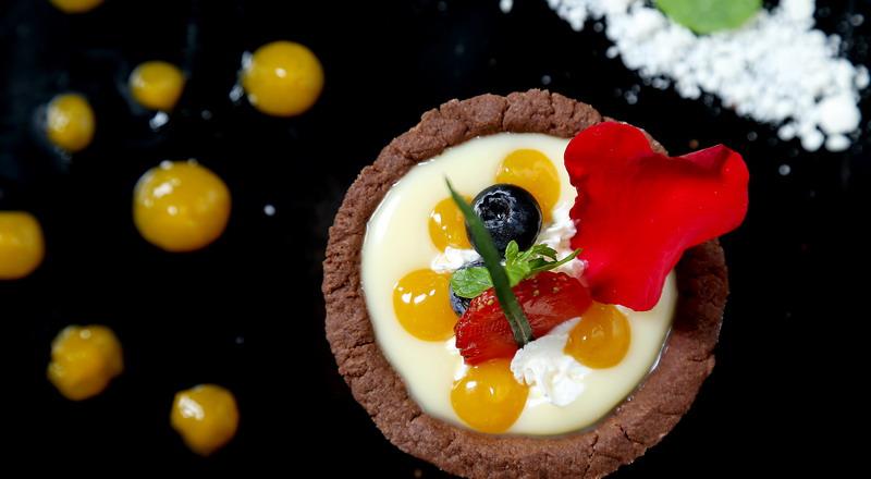 https: img-o.okeinfo.net content 2020 02 13 298 2168149 resep-coklat-valentine-ala-masterchef-indonesia-cocok-dikirim-ke-gebetan-2TqDAbdZKz.jpg