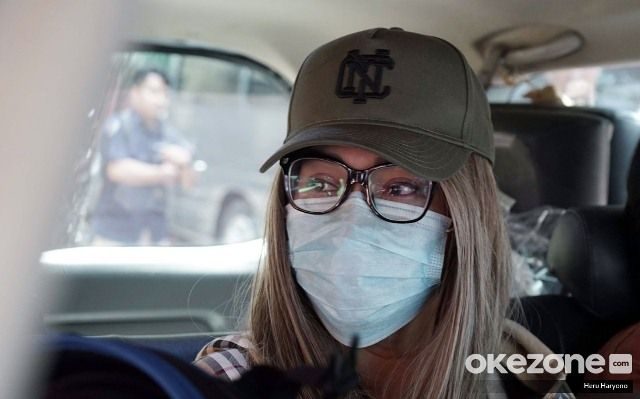 https: img-o.okeinfo.net content 2020 02 13 338 2167922 lucinta-luna-akhirnya-ditahan-di-sel-perempuan-ly9oCTBw3t.jpg