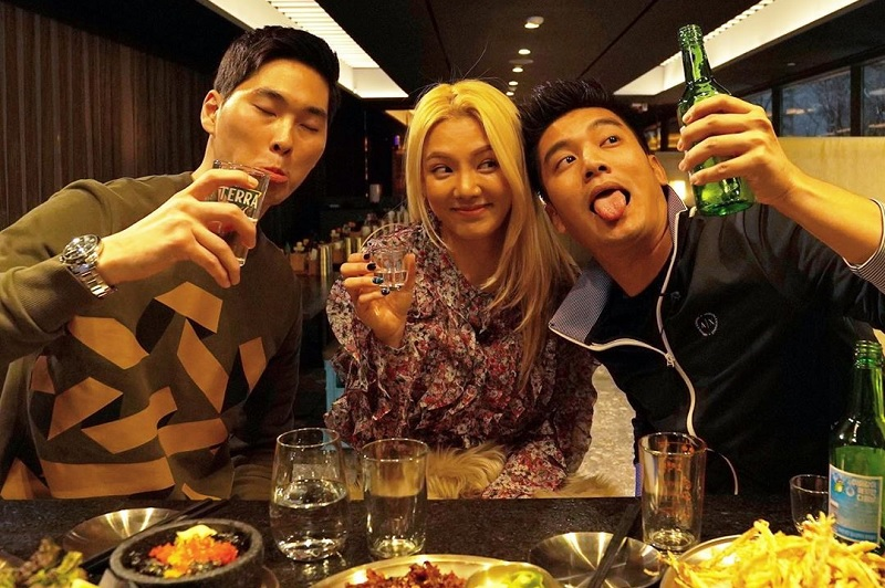 https: img-o.okeinfo.net content 2020 02 19 33 2171181 ashraf-sinclair-meninggal-boy-william-tunda-rilis-video-bareng-hyoyeon-snsd-dS1euYvHJ7.jpg