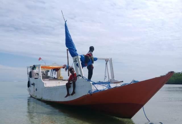 https: img-o.okeinfo.net content 2020 02 24 609 2173493 hilang-kontak-nelayan-ini-terombang-ambing-di-laut-selama-sepekan-K4BH9BhsHE.jpg