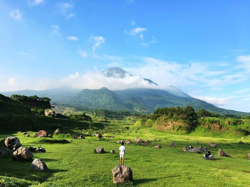 https: img-o.okeinfo.net content 2020 02 26 406 2174464 waktu-terbaik-kunjungi-ranu-manduro-destinasi-wisata-mojokerto-yang-viral-bQQ3YVYBgW.jpg