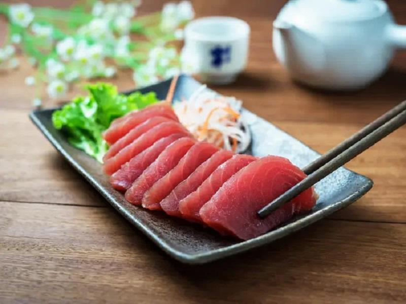 https: img-o.okeinfo.net content 2020 03 06 298 2178978 waspadai-risiko-keracunan-makanan-dari-mengonsumsi-sushi-4JqIwYtUlx.jpg