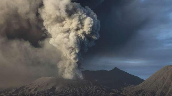 https: img-o.okeinfo.net content 2020 03 06 510 2178948 pasca-erupsi-merapi-bnpb-imbau-masyarakat-waspada-potensi-awan-panas-ynQasaGq8X.jpg