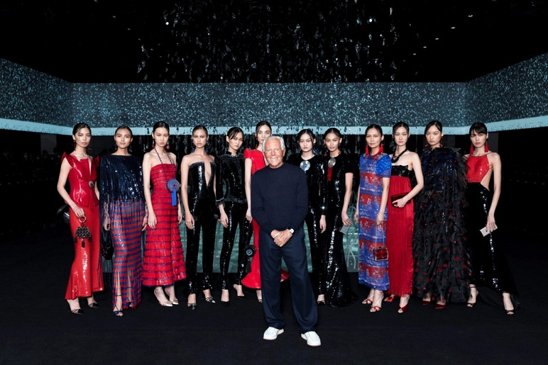 https: img-o.okeinfo.net content 2020 03 22 194 2187255 15-rumah-mode-tunda-hingga-batalkan-fashion-show-karena-pandemi-virus-corona-EyEmj7n36u.jpg