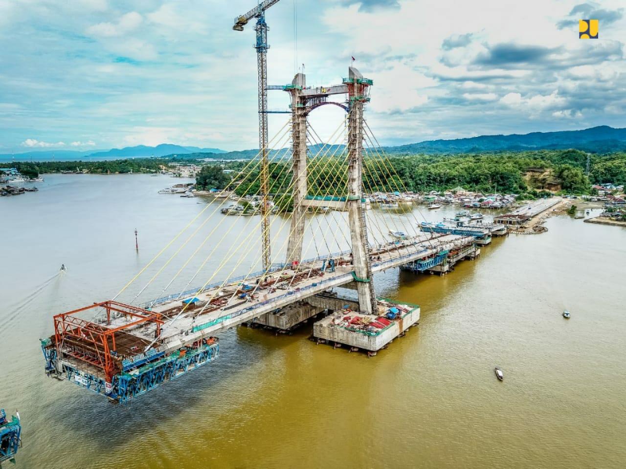 https: img-o.okeinfo.net content 2020 03 27 320 2189874 pembangunan-sudah-85-jembatan-teluk-kendari-jadi-penghubung-ke-new-port-bungkutoko-pYf23oFZdL.jpeg