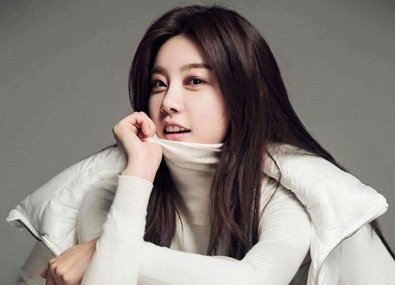 https: img-o.okeinfo.net content 2020 03 27 598 2189709 lolos-audisi-sojin-girl-s-day-gabung-drama-terbaru-lee-min-ho-PpPiTldjyF.jpg