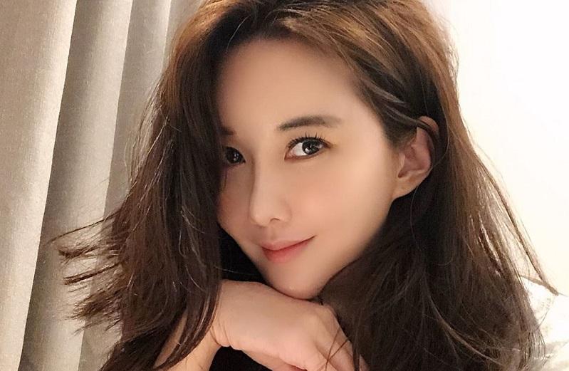 https: img-o.okeinfo.net content 2020 04 01 33 2192146 kritik-pemerintah-aktris-missing-you-mundur-dari-dunia-hiburan-dOJTfQGDag.jpg