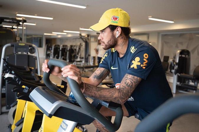 https: img-o.okeinfo.net content 2020 04 09 51 2196789 pebisnis-spanyol-barcelona-tak-punya-uang-untuk-dapatkan-neymar-uTpibfoycB.jpg