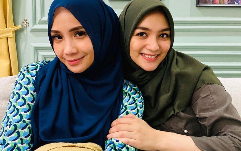 https: img-o.okeinfo.net content 2020 05 16 617 2215217 selfie-bareng-citra-kirana-cantiknya-nagita-slavina-pakai-hijab-qnEYbv1v6a.jpg