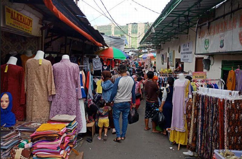 https: img-o.okeinfo.net content 2020 05 22 337 2218251 jelang-lebaran-pasar-di-sejumlah-daerah-ramai-pengunjung-G5fAffGMcK.jpg